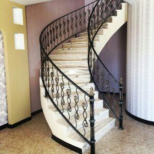 حفاظ راه پله ساده بهتر است یا فرفورژه؟ 545113212789
